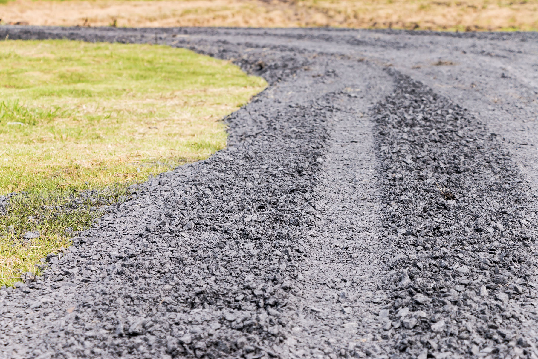 Asphalt Supplier Sheffield | Pouring asphalt for road building | Sheffield Coated Stone